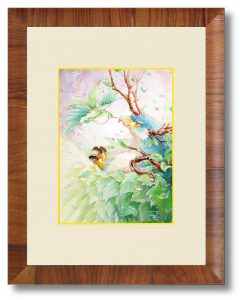丘芽美湖さん「戯れ」(B5)大樹のような鷹の前を飛び回る、小さな花の小鳥。初めて出会った日から、彼らは毎日遊んでいるようです。