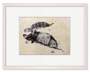 HIAさん「いっしょ♪」(B5)子ガメがママにつかまってわーいと楽して泳いでいる様子です。図工で覚えた技法で描きました。