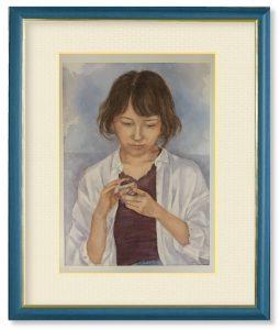 石橋英子さん「自分の時間」(F4)スマホを見ながら寛いでいる表情を描きたいと思いました。現代人のほっとする時間は昔とは違いますね。