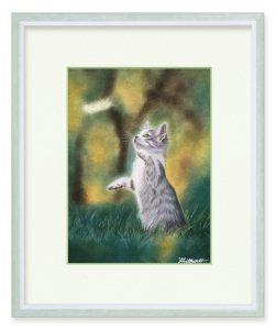 しまちゅうさん「希望をつかむ」(B5)無邪気な子猫がふわふわ羽を追いかけています。あと少し。明日に向かう希望を掴め!そんな思いを込めて。